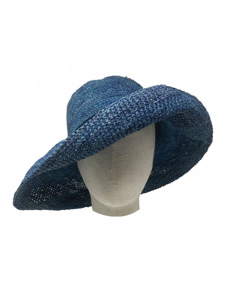 E107 Chapeau Femme raphia crochez Rabarany bleu porté
