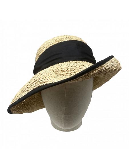 Chapeau cloche raphia crochet foulard Rabarany naturel. porté